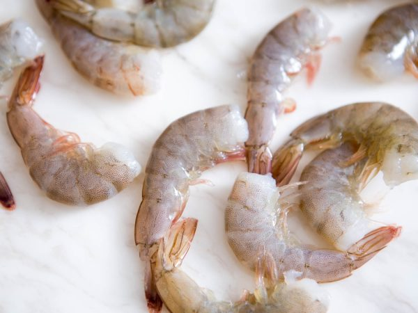 WHITE SHRIMP HEAD OFF (SIZE 13-15 ) 13 15 WHITE SHRIMP HEAD OFF 600x450